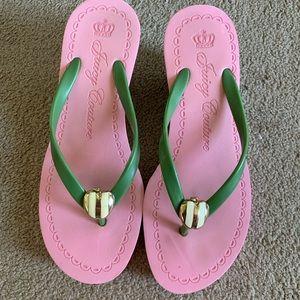 Juicy couture heeled flip flops